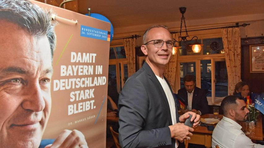 Bilder eines Abends: Zu Besuch bei den Fürther Wahlpartys