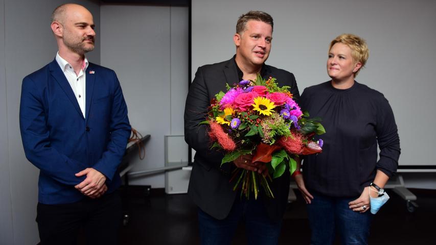 Der Fürther MdB-Abgeordnete Carsten Träger bleibt für die SPD für vier weitere Jahre in Berlin. Mit Listenplatz drei war das eine sichere Sache.