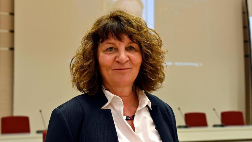 Seit 2013 ist Martina Stamm-Fibich für die SPD im Bundestag. Über die Landeliste ist sie für den Wahlkreis Erlangen 2021 erneut in den Bundestag eingezogen.