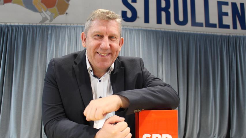 Zum Direktmandat hat es nicht gereicht. Andreas Schwarz (SPD) verlor deutlich gegen Thomas Silberhorn (CSU). Dennoch zieht Schwarz in den Bundestag. Möglich wird dies durch Platz 11 auf der Landesliste seiner Partei.