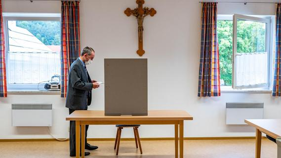 Nach Eklat-Post am Wahltag: Jetzt spricht Aiwanger