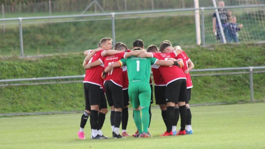 Die Weißenburger Truppe schwörte sich auf das Spiel beim Tabellenzweiten in Schwabach ein - mit Erfolg, denn die TSV-1860-Jungs holten am ende einen überraschenden aber keineswegsunverdienten Punkt