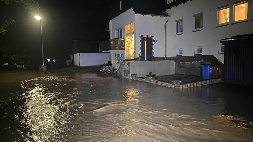 Heftige Regenfälle sorgten für Überflutungen
