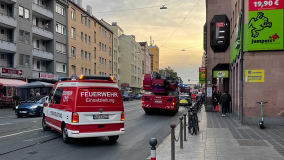 Feuerwehreinsatz in der Sulzbacher Straße - Supermarkt evakuiert