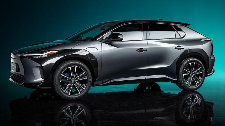 Das Concept-Car BZ4X gibt einen seriennahen Ausblick auf Toyotas neues batterieelektrisches Mittelklasse-Modell.