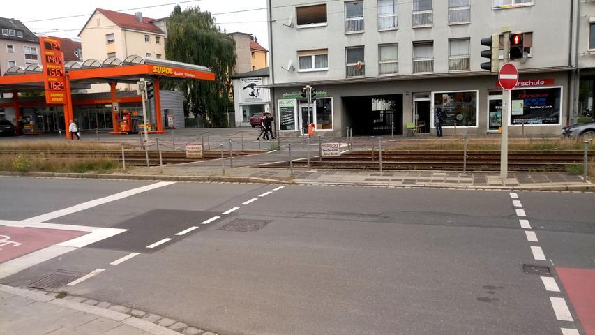 Wege ins Nichts, Planungsfehler, Hindernisse: Wo Fußgänger in Nürnberg nicht weiterkommen