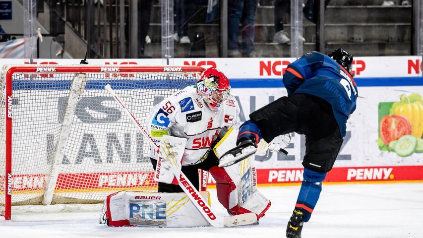 Er schießt. Er trifft. In der Mannschaft der Ice Tigers fällt der US-Amerikaner durch seine Unbekümmertheit vor dem Tor auf.