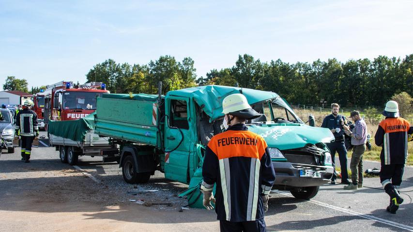 Der Unfall ereignet sich auf einer Landstraße westlich von Bamberg zwischen Walsdorf und Tütschengereuth.