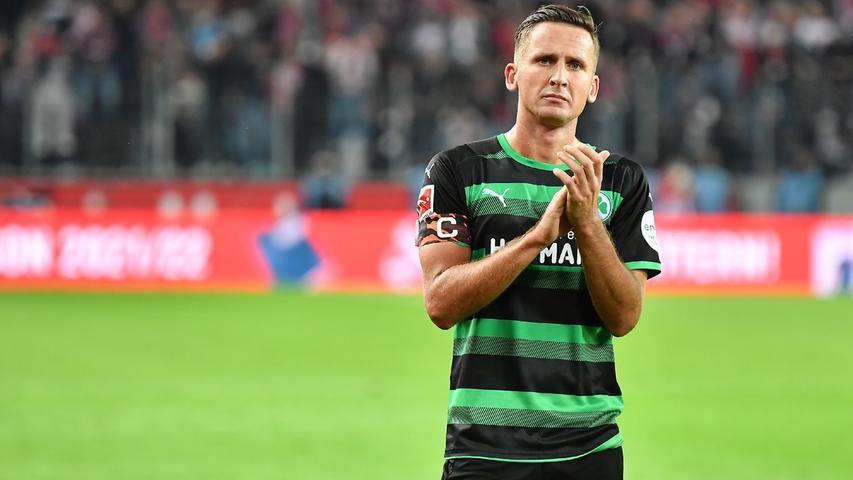 War von der ersten Sekunde an der unermüdlicher Antreiber und Chef im Fürther Mittelfeld. Immer wieder aber auch mit unglücklichen Aktionen. Immerhin zum dritten Mal in Folge ohne Gelbe Karte und deshalb auch beim extrem wichtigen Spiel gegen Bochum nach der Länderspielpause dabei.