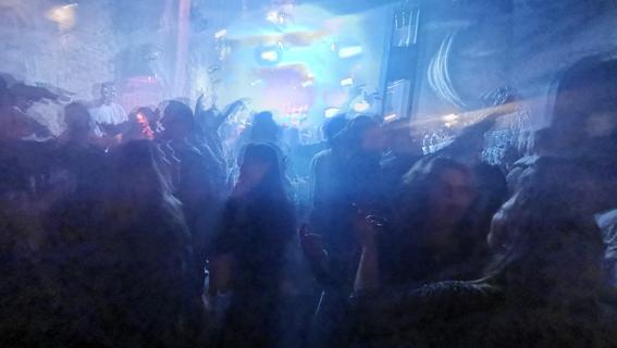 Dritte infizierte Person: Weiterer Corona-Fall in Nürnberger Disko