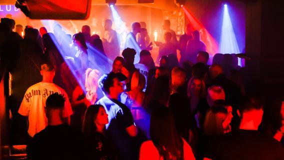 Endlich wieder feiern! So lief die erste Partynacht in Rosi, Mach1 und Schimanski