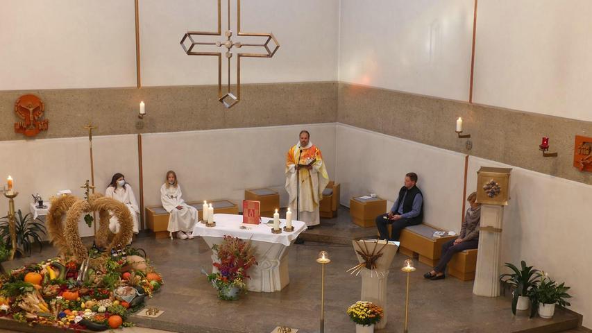 Zur Orgelsegnung wurde auch ein Gottesdienst zelebriert.