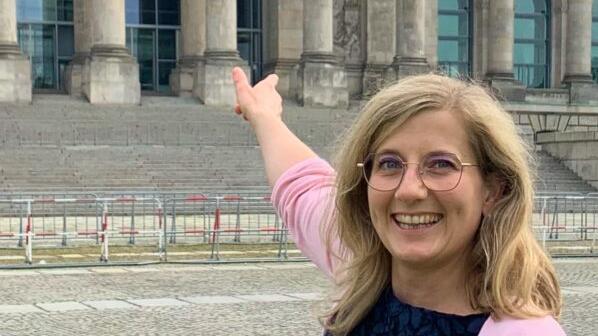 Nicht mehr nur vor dem Reichstag, sondern auch drin ist Kristine Lütke (FDP).
