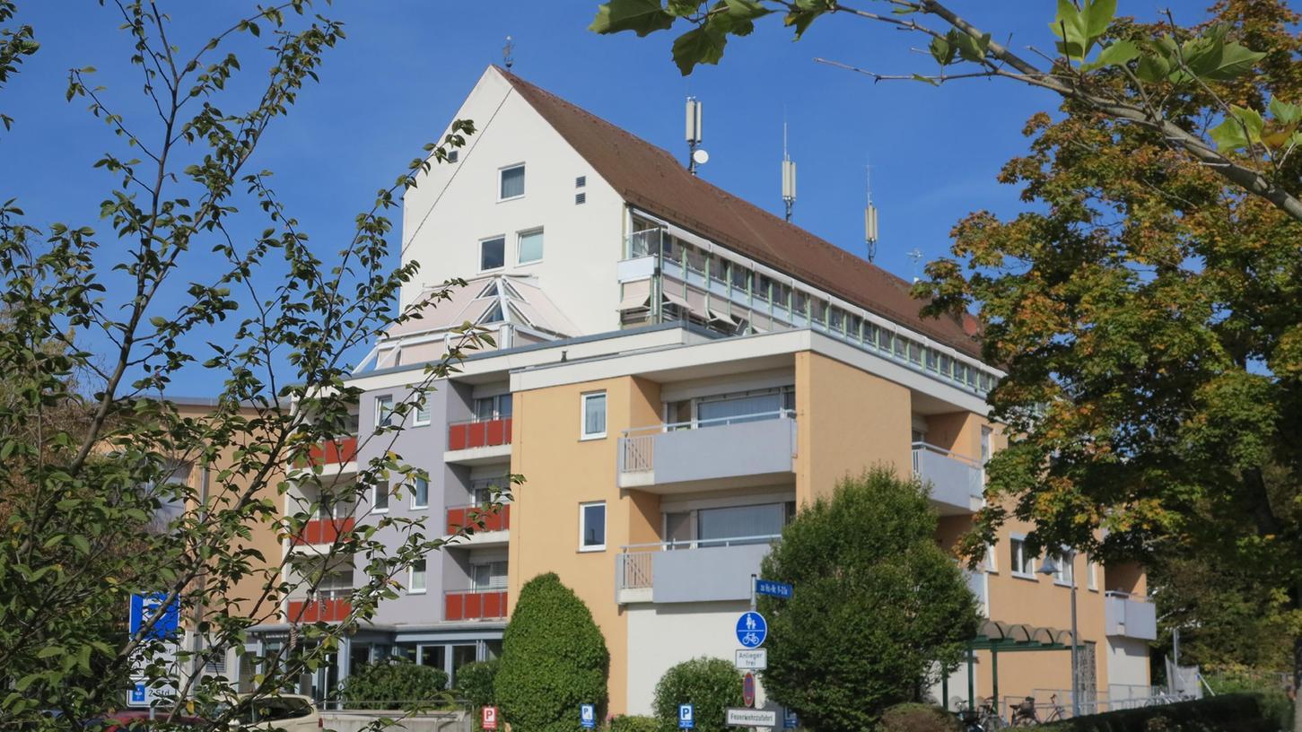 Der markante Gebäudekomplex des Gunzenhäuser Alten- und Pflegeheims in der Reutbergstraße.
