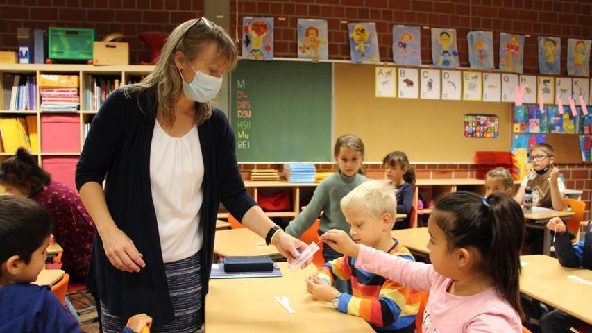 So funktionieren die Lolli-Tests an den Grundschulen im Landkreis Forchheim