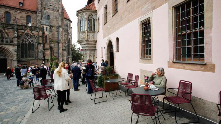 Die Maulbeere im Sebalder Pfarrhof, Nürnberg