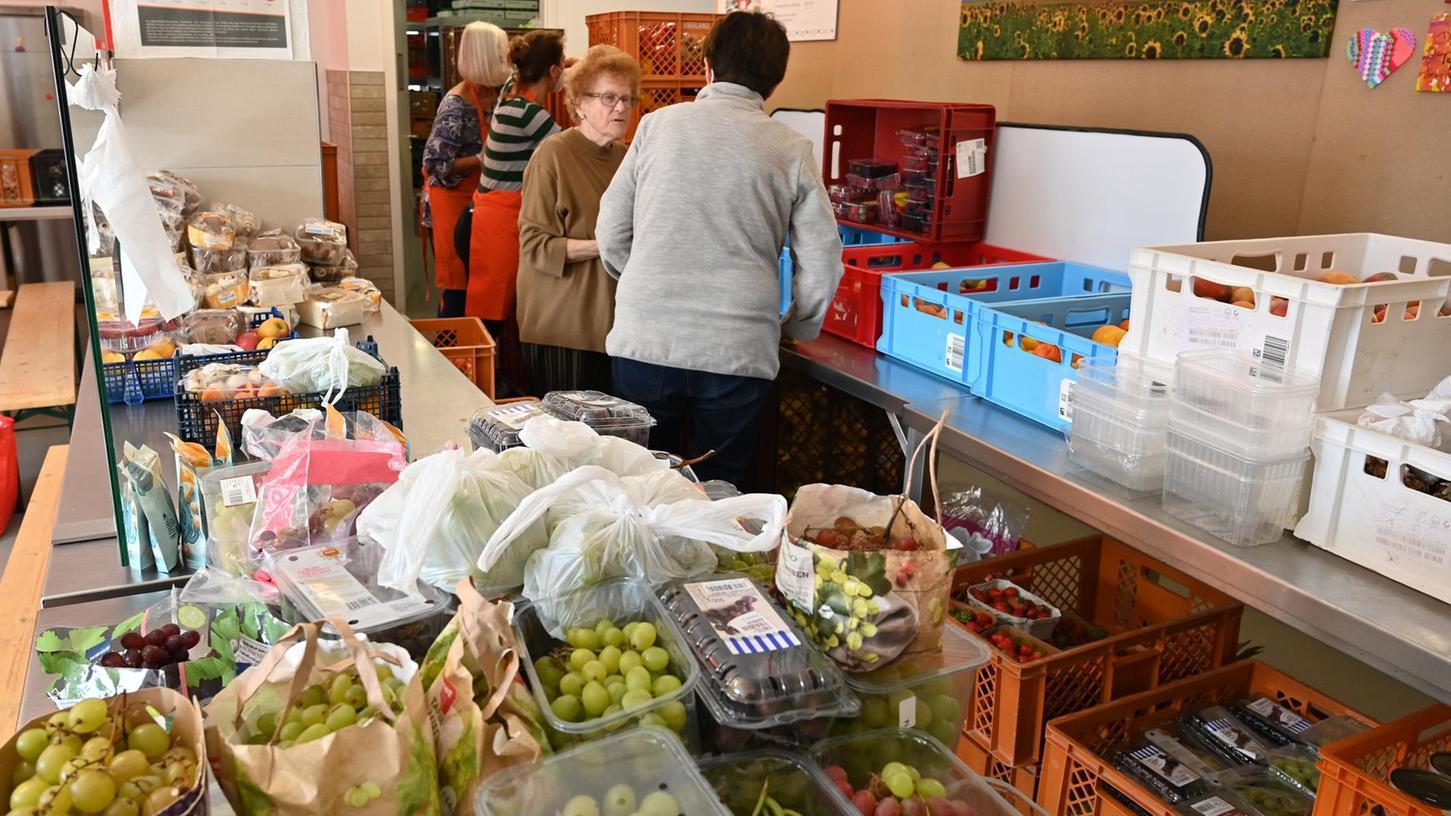 Die Tafel Erlangen wird immer wichtiger, denn auch in der Hugenottenstadt gibt es zunehmend Menschen, die auf Lebensmittelspenden angewiesen sind.