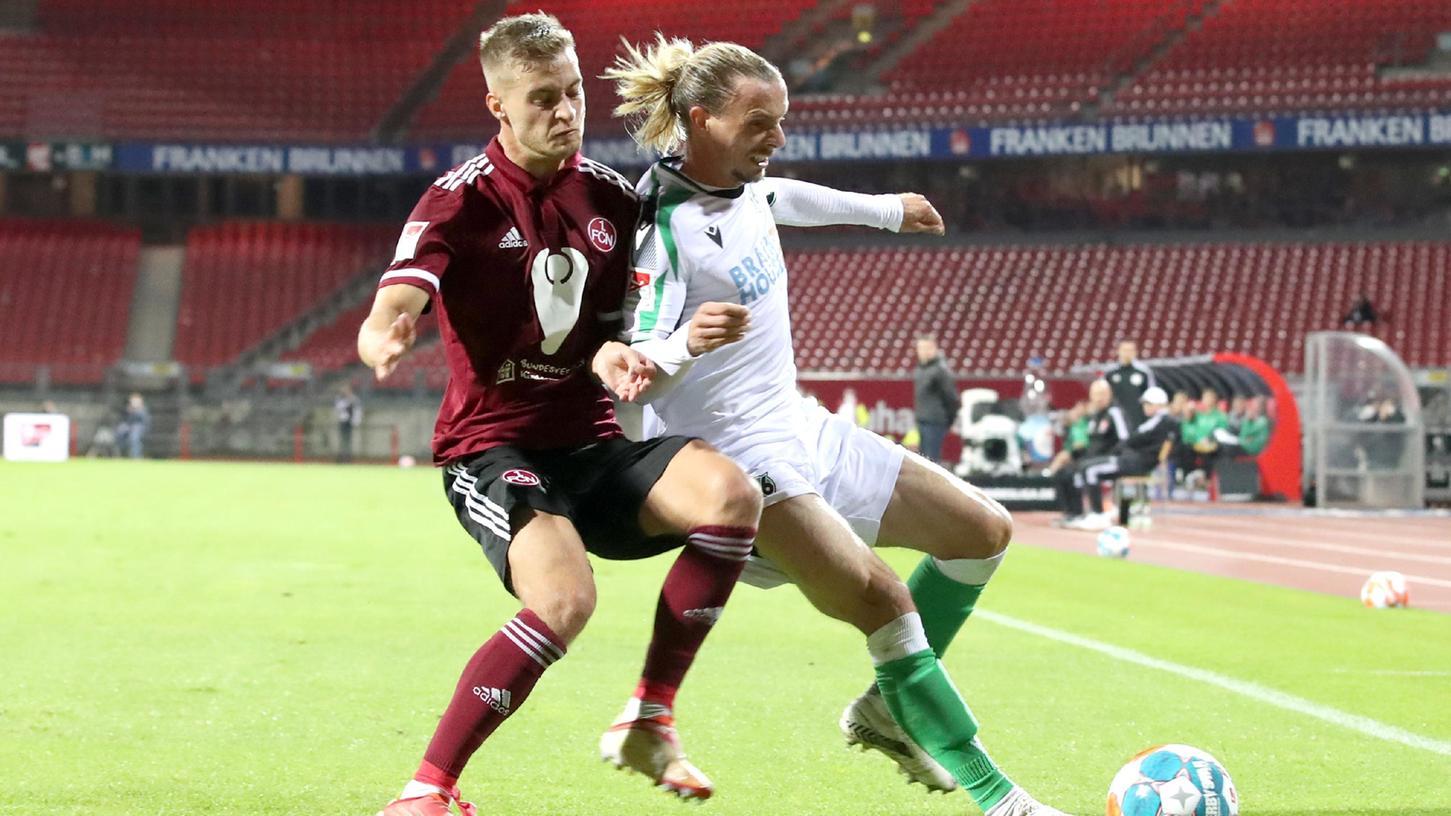 Der nächste nicht zufriedenstellendeAuftritt: Gegen Hannover durfte Fabian Nürnberger nur eine Halbzeit auf dem Platz bleiben.
