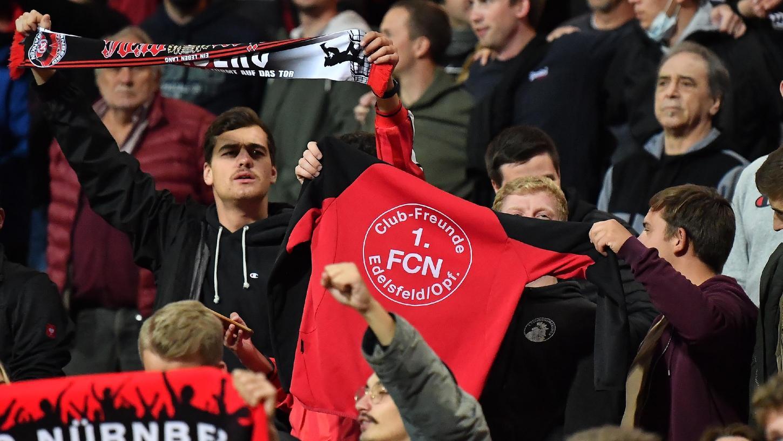 Ist bald wieder alles normal? Club-Fans im Stadion.
