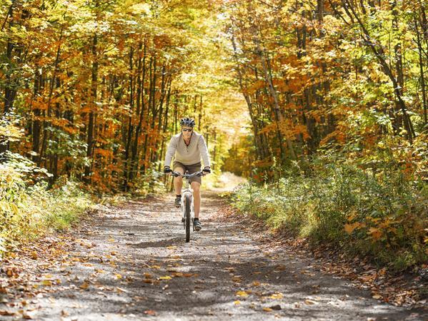 Radeln durch den Goldenen Oktober ist etwas Schönes, birgt aber auch Risiken.