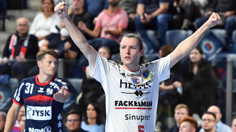 Siegerfäuste: Johannes Selin und der HC Erlangen haben die SG Flensburg-Handewitt aus dem Pokal geworfen. Und wie.