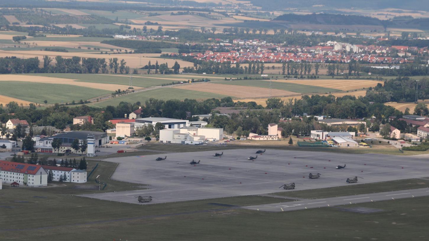 Blick auf die Kaserne und das Flugfeld in Illesheim