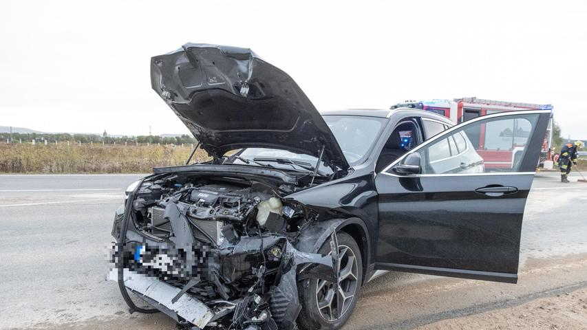 Frontalzusammenstoß bei Eggolsheim sorgt für Verkehrschaos