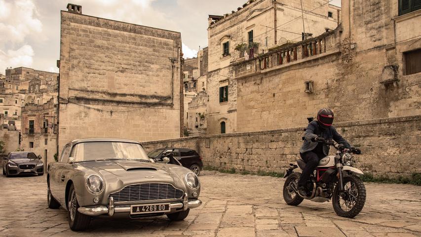 Im malerischen Matera in Süditalien wurde für den jüngsten Bond eine Verfolgungsjagd gedreht. Die Film-Touristen werden im nächsten Jahr bestimmt über das Städtchen herfallen.