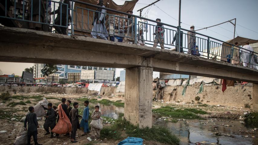 Besonders Frauen leiden: In Afghanistan droht eine humanitäre Katastrophe