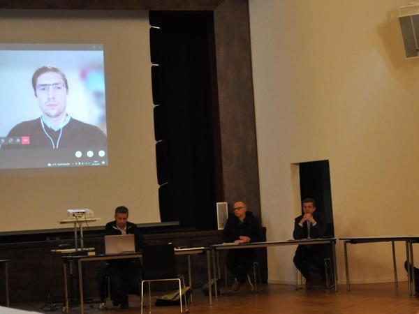 Waren per Video der Sitzung des Merkendorfer Stadtrats zugeschaltet: die referierenden Mitarbeiter der DB Netz AG.