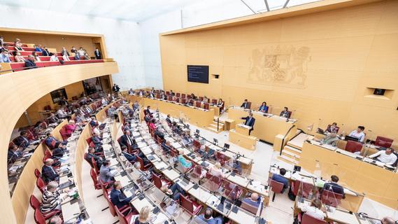 Volksbegehren startet: Querdenker wollen bayerischen Landtag auflösen