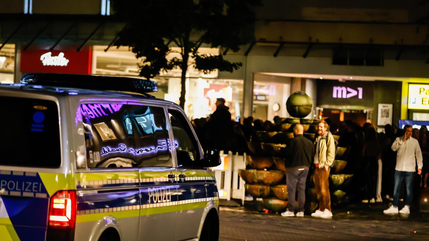Ordnungsamt und Polizei beobachteten unter anderem vor dem
