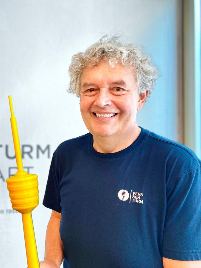 Matthias Buck arbeitet seit 1987 als Betriebstechniker im Fernsehturm Stuttgart – dem weltweit ersten seiner Art in Stahlbetonbauweise mit Aussichtsplattform und Restaurant.