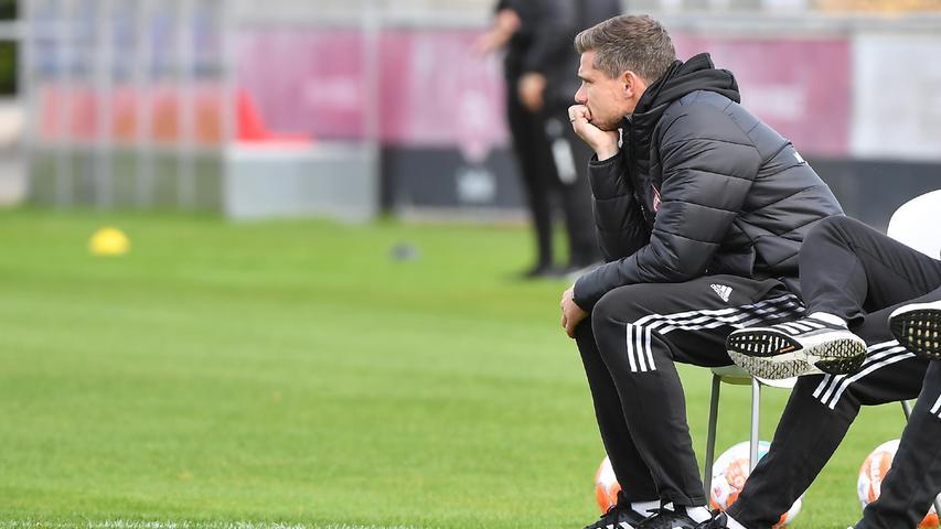 08.10.2021 --- Fussball --- Saison 2021 2022 --- Testspiel / Freundschaftsspiel: 1. FC Nürnberg FCN ( Club ) - FC Ingolstadt FCI ( Schanzer ) --- Foto: Sport-/Pressefoto Wolfgang Zink / WoZi --- Robert Klauß Klauss (Trainer Cheftrainer 1. FC Nürnberg / FCN ) enttäuscht / Enttäuschung