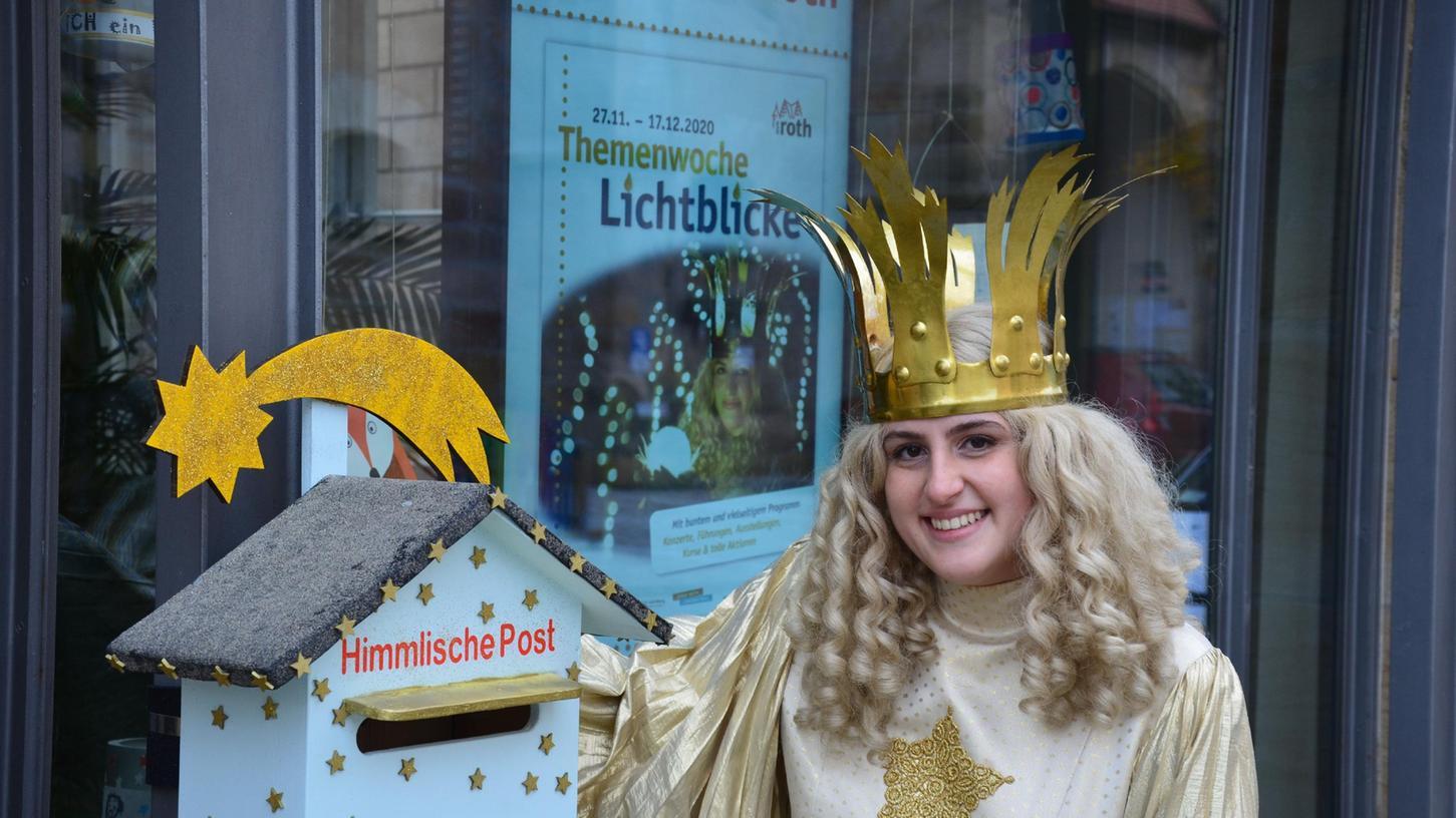 """Auch wenn der Christkindlesmarkt in Roth abgesagt ist, kümmert sich sein Namensgeber, das Christkind, bis Weihnachten um die """"Himmlische Post""""."""