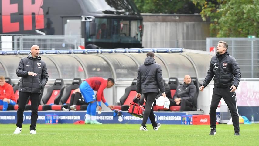 08.10.2021 --- Fussball --- Saison 2021 2022 --- Testspiel / Freundschaftsspiel: 1. FC Nürnberg FCN ( Club ) - FC Ingolstadt FCI ( Schanzer ) --- Foto: Sport-/Pressefoto Wolfgang Zink / WoZi --- Andre Schubert ( Trainer FC Ingolstadt 04 ) Robert Klauß Klauss (Trainer Cheftrainer 1. FC Nürnberg / FCN , rechts )