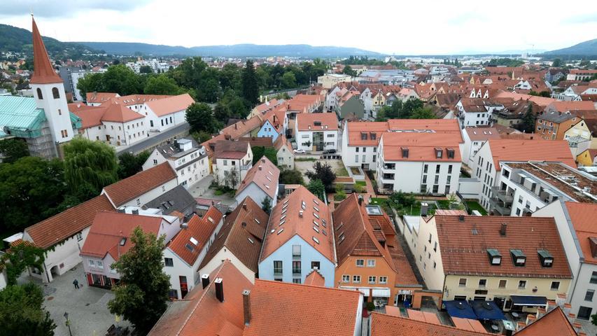 Zu Kloster- und Herzwirtsgasse richtet sich der Blick nach Südosten.