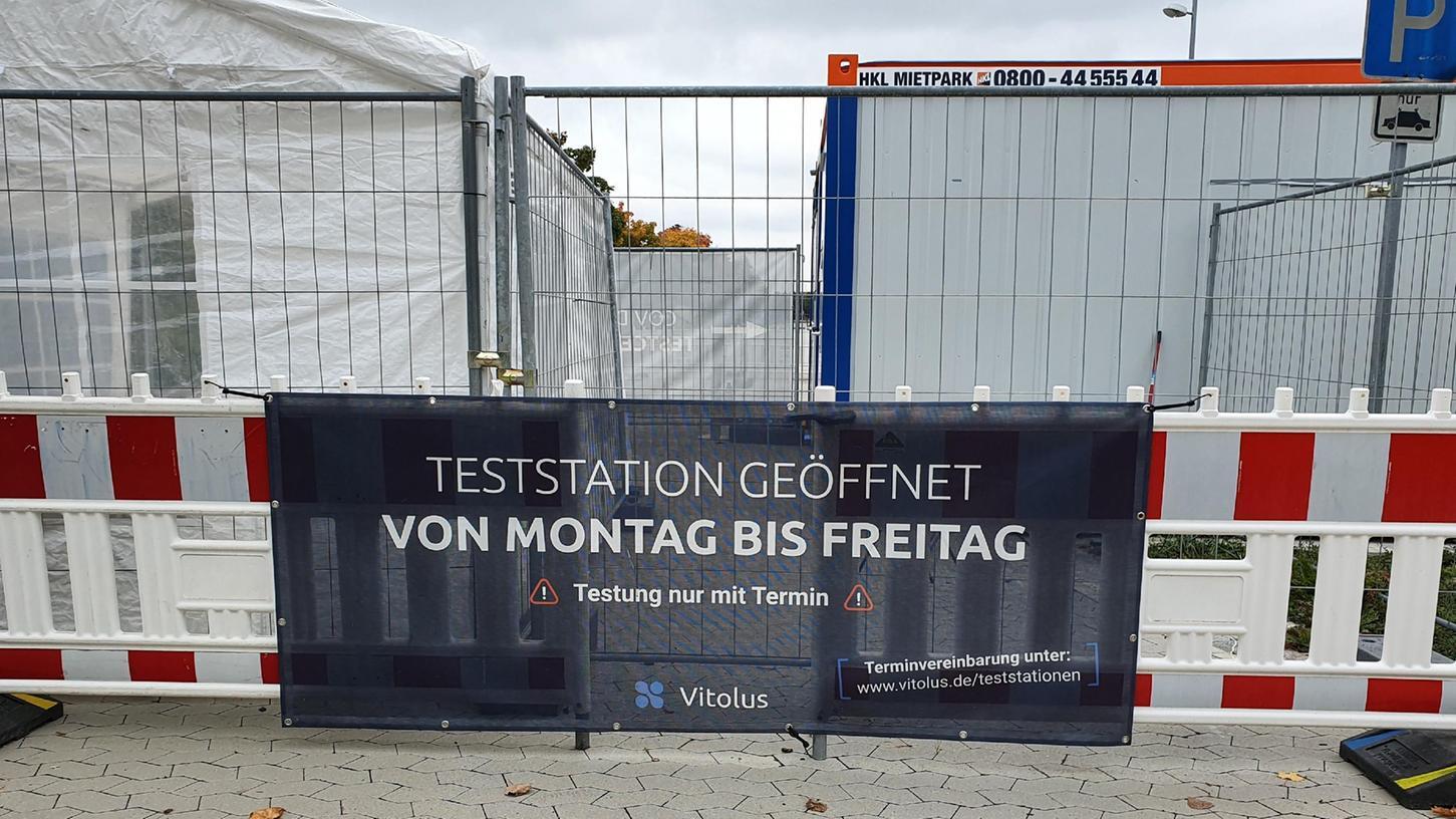 Ab Montag werden im Testzentrum auf dem Parkplatz an der Stadthalle in Gunzenhausen auch Antigen-Schnelltests angeboten.