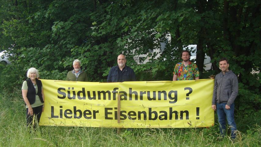 Die Grünen-Fraktion im Herzogenauracher Stadtrat mit (v.l.) Retta Müller-Schimmel, Peter Maier, Georgios Halkias, Peter Simon und Mark Deavin.