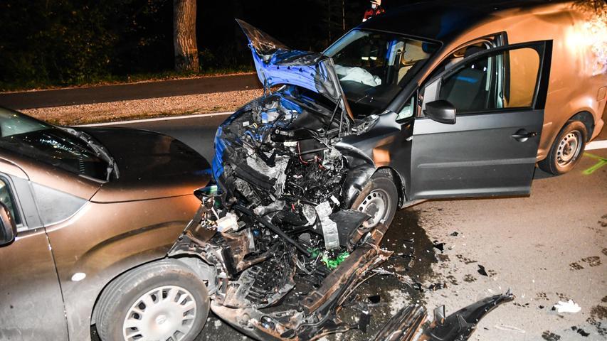 Der Unfall ereignete sich zwischen Diepersdorf und Renzenhof. Die Ursache für den Zusammenstoß war zunächst noch unklar.