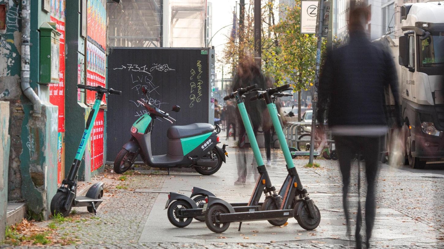Seit Ende September werden auch in Schwabach E-Scooter verliehen. Die Polizei hat nun genauer hingeschaut, wie die Fahrer unterwegs sind.