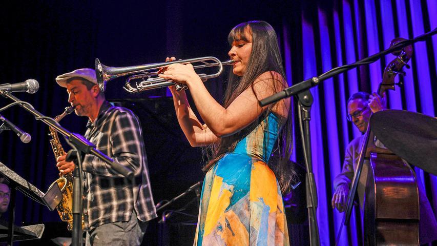 Das Charly Antolini Quintett musste in Höchstadt verletzungsbedingt ohne seinen Chef, den Schweizer Charly Antolini am Schlagzeug auskommen.