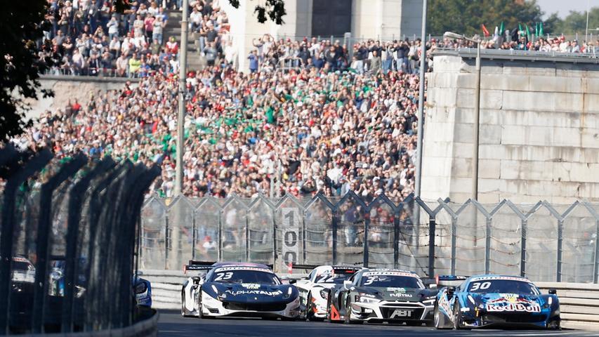 Als Görtz vom Motorsportclub Nürnberg (MCN) auf die Ziellinie am Norisring zufuhr, da knallte es plötzlich sekundenlag.