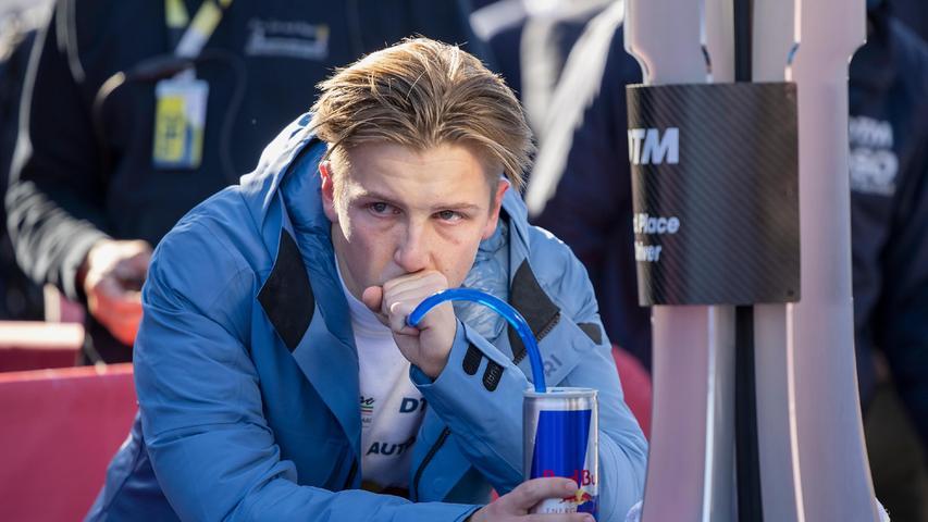 Enttäuschung und Tränen gab es dagegen beim19-jährigen Neuseeländer Liam Lawson, der im Ferrarinach einem frühen Unfall die Punkte verpasste.