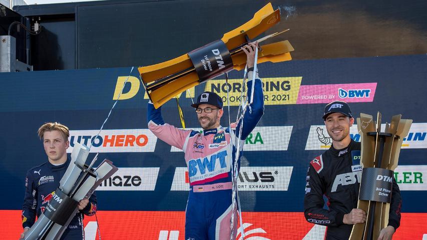 Emotionale Siegerehrung am Norisring: Markus Söder übergibt DTM-Pokal