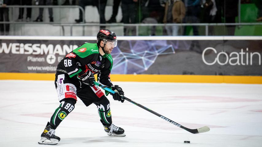 Anton Seewald könnte jetzt in der DEL2 spielen, vielleicht sogar in der DEL. Doch der Top-Stürmer hat sich für den Höchstadter EC entschieden.