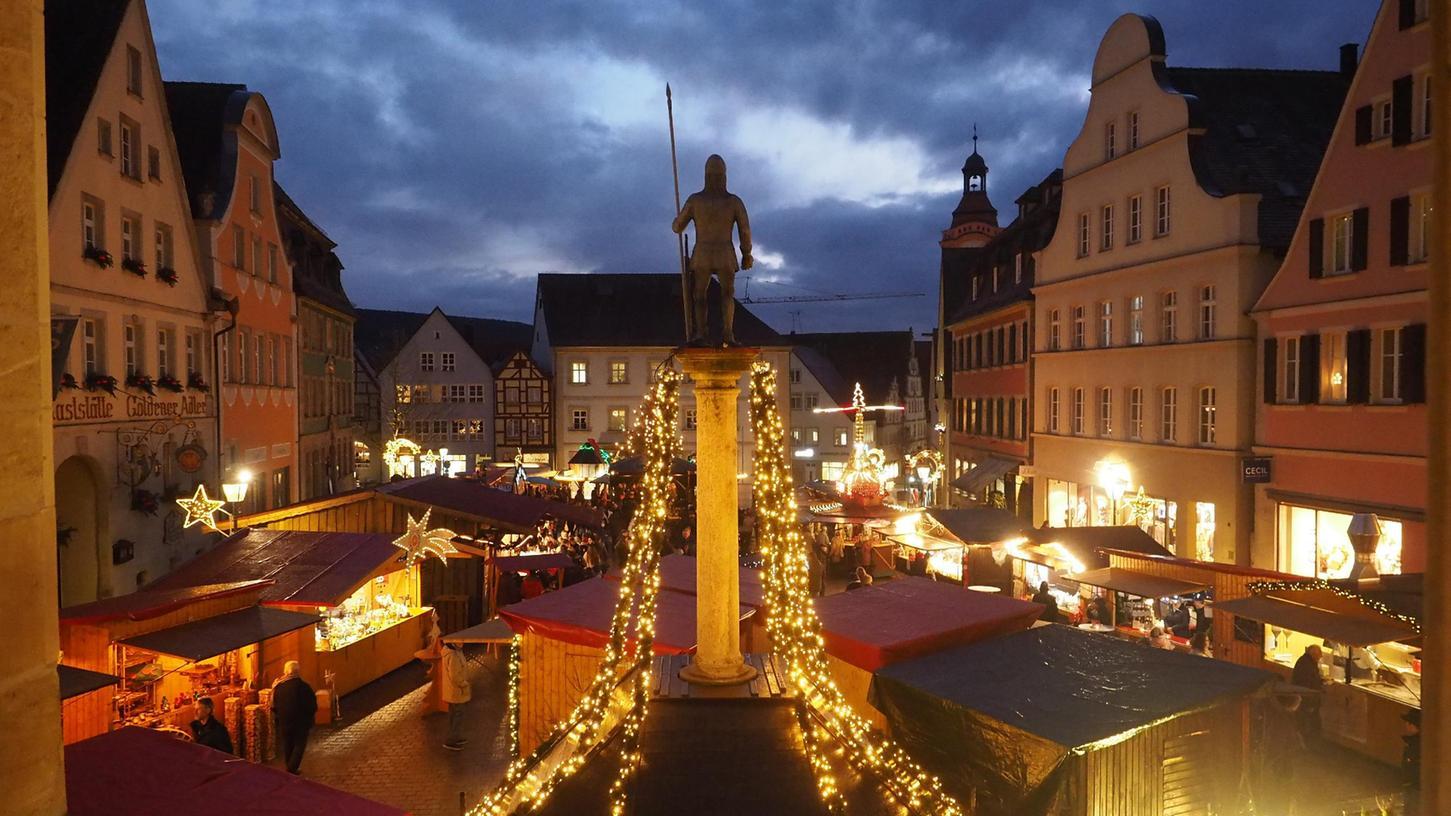 Könnte doch wieder was werden mit dem Lichterglanz auf dem Weißenburger Weihnachtsmarkt.