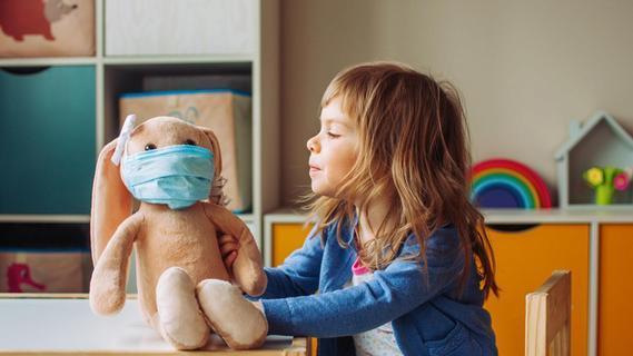 Lauterbach warnt vor stark steigenden Corona-Infektionszahlen bei Kindern