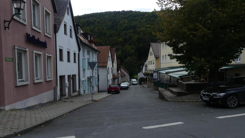 Flächenentsiegelung wird eine der Aufgaben der Dorferneuerung in Muggendorf sein.