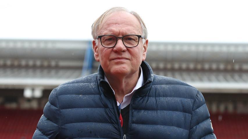 Dr. Thomas Grethlein war selbst als Jugendspieler beim 1. FC Nürnberg aktiv und seit2014 der Vorsitzende des Aufsichtsrates. Der Club-Philosoph - auch nominiert unlängst für den Fußballspruch des Jahres -studierte in Erlangen, Freiburg und England, leitet in der Norisein Start-Up-Unternehmen. Obwohl im Vorfeld ein wenig umstritten, bekam Grethlein 2020 die meisten Stimmen. Er bleibt im Aufsichtsrat. Seine Amtszeit geht noch bis 2023.